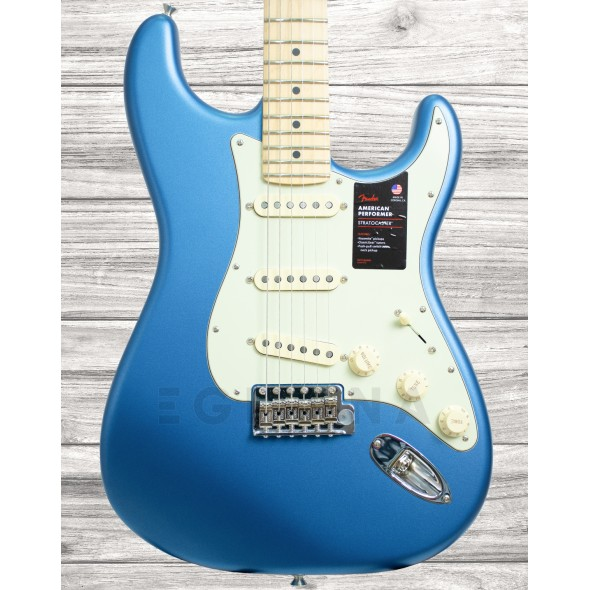 Guitarras formato ST Fender American Perf Stratocaster MN Satin LPB