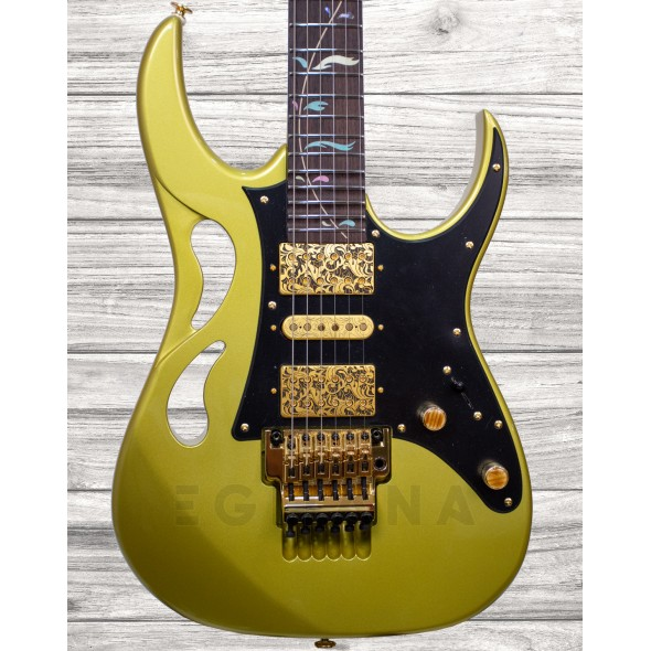 Guitarras formato ST Ibanez PIA3761 SDG