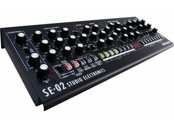 Roland SE-02  Módulo Roland SE-02 Analog Synthesizer