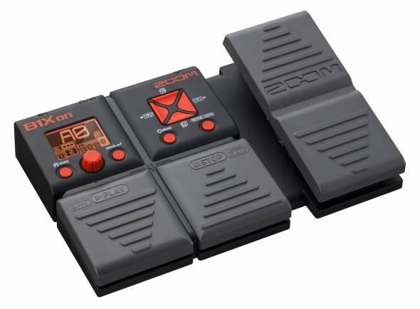Zoom B1Xon  O Zoom B1Xon lhe oferece 75 efeitos de contrabaixo, incluindo uma variedade de distorções, compressões, modulações, delay, reverb e modelos de amp.